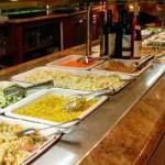 Comer en un buffet libre