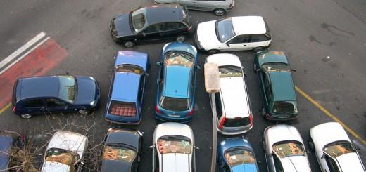 Si aparcar fue difícil, imagínate sacarlo de ahí sin muelles saltarines