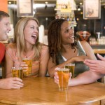 Las conversaciones de bar entre parejas