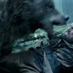 Una mujer rusa da a luz en un bosque mientras los guardias luchan contra los osos
